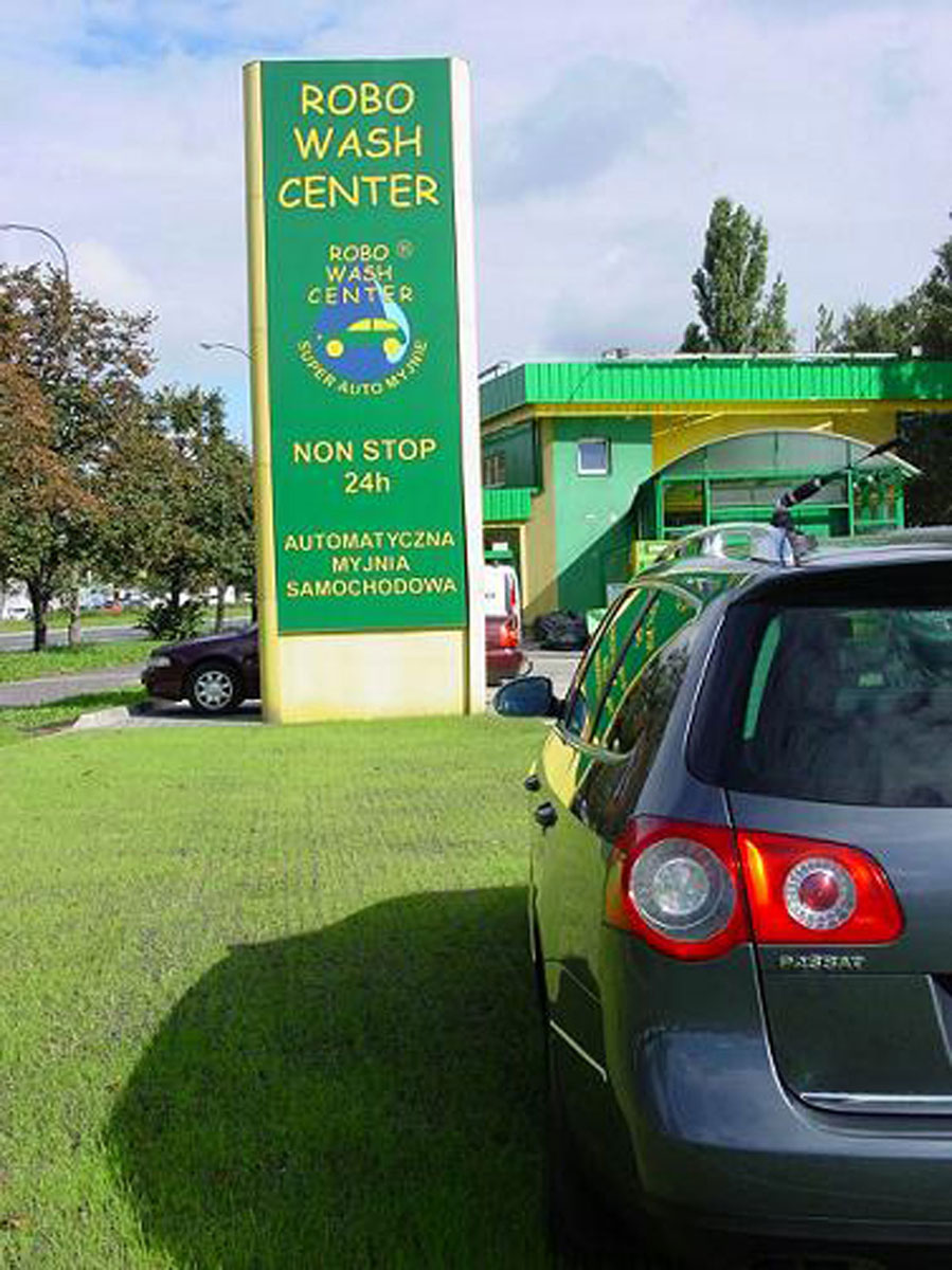 EcoGreen-parking Robo Wash Center jako nawierzchnia myjni.